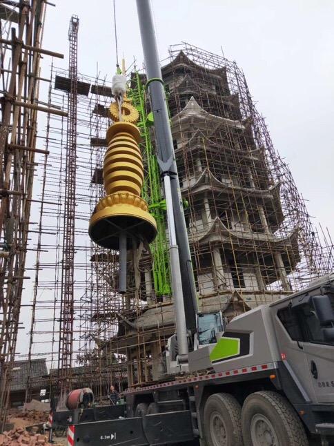 成都吊车出租80吨吊车安装寺庙金顶-【成都吊车出租】