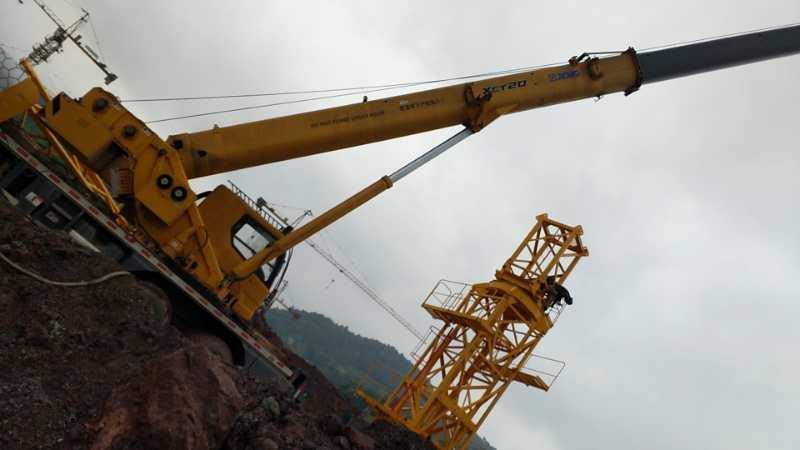 成都新工地安装新塔吊25吨-【成都吊车出租】