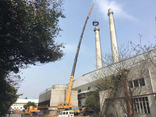 成都90米烟道拆除350吨吊车-【成都吊车出租】