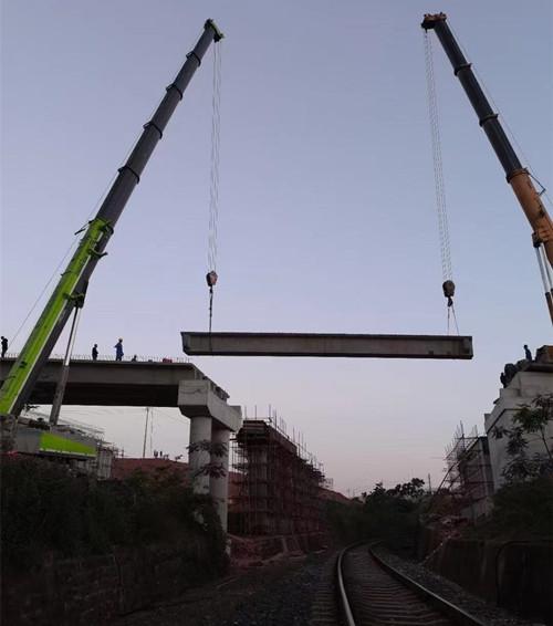 成都吊车安装百吨级桥梁-【成都吊车出租】